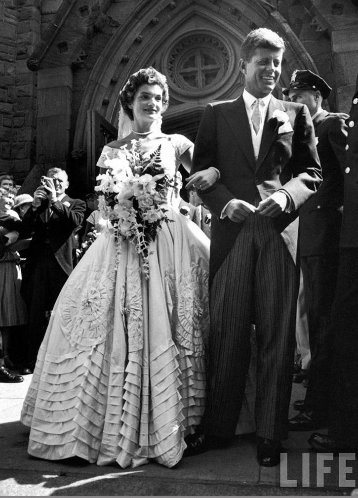 Wedding Jacqueline Lee Bouvier and John F. Kennedy  - Ann Lowe (1952)