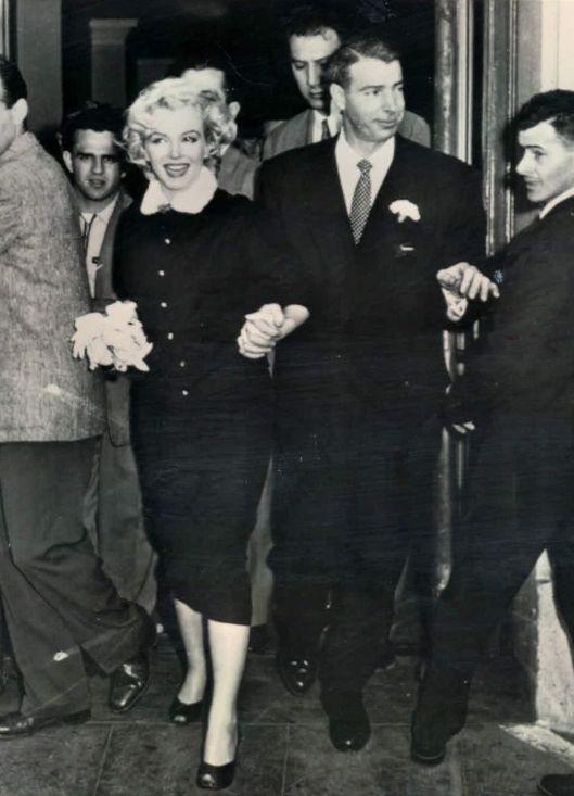 Wedding Marilyn Monroe and Joe Dimaggio (1954)