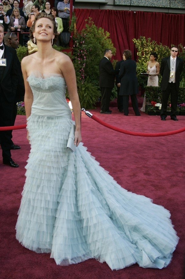 Charlize Theron - Dior - Oscars 2005 1
