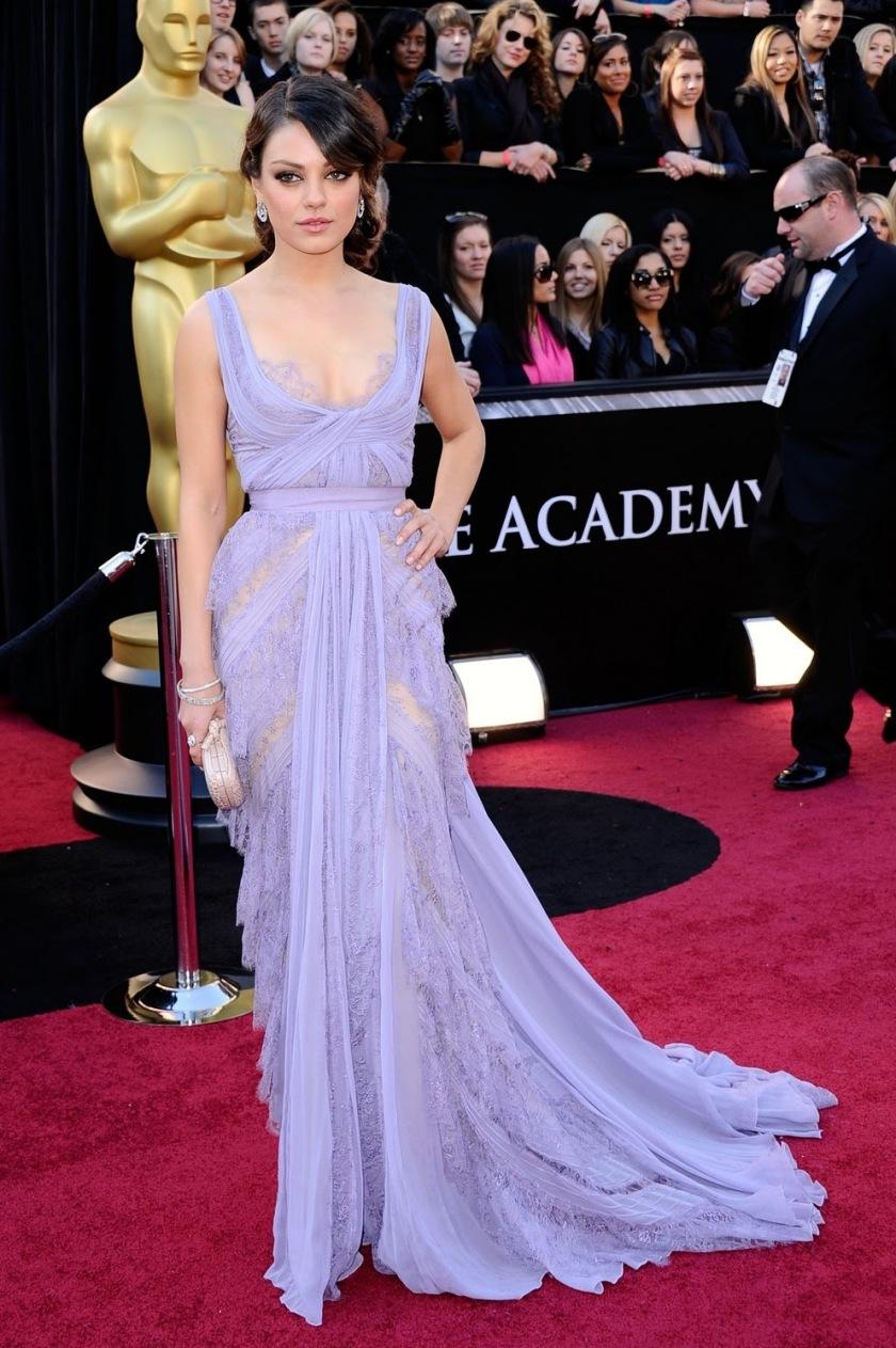 Mila Kunis - Elie Saab - Oscars 2011