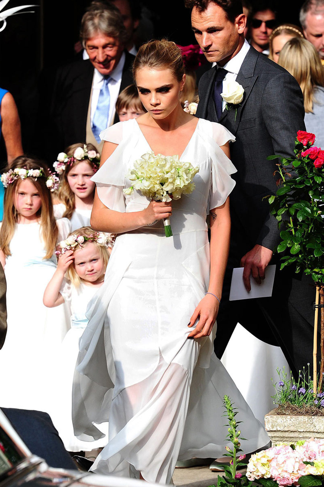 Boda Poppy Delevingne Wedding - Cara 1