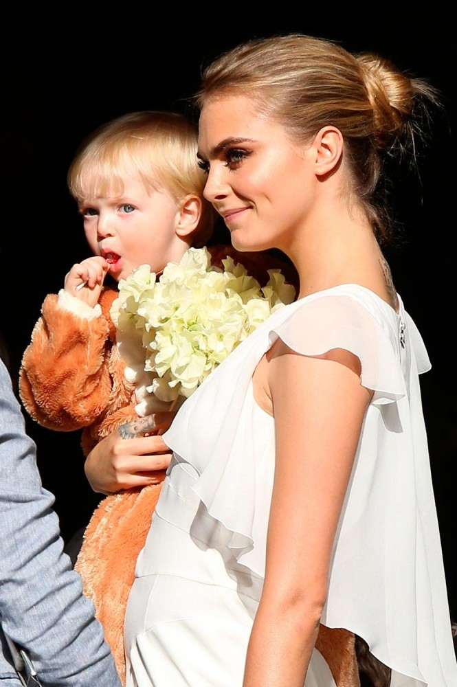 Boda Poppy Delevingne Wedding - Cara 3