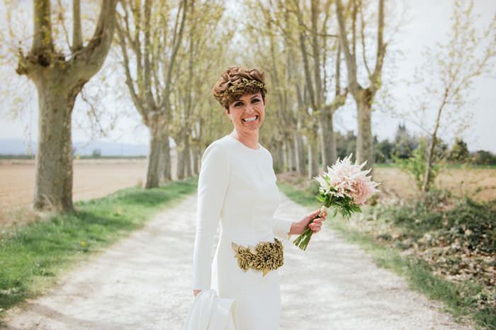 Vestido de novia - Sencillez con un toque unico - 2. Novia